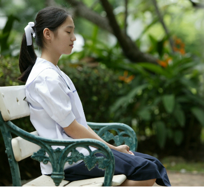 mindfulness can be done anywhere, even in the park